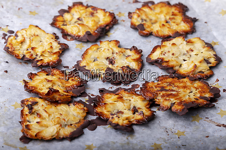 home made florentiner cookies on baking