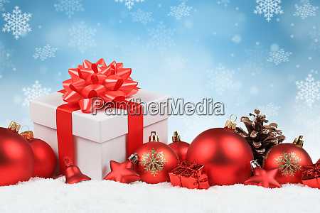 christmas gifts presents balls baubles decoration