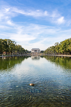 lincoln memorial over reflecting pool national