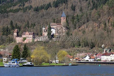 the neckar at zwingenberg castle