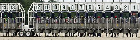start horse racing