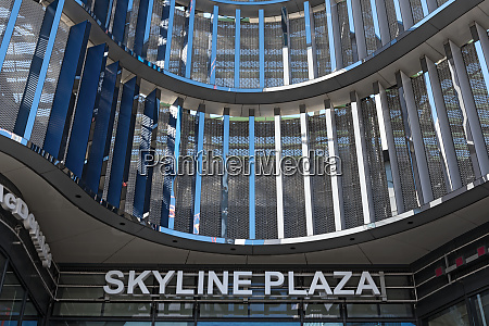 font at skyline plaza shopping center