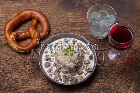 bavarian dumpling in mushroom sauce