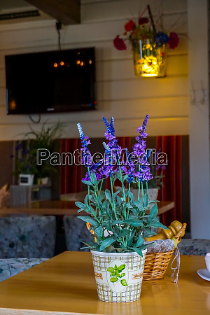 decoration with flowers in cafe