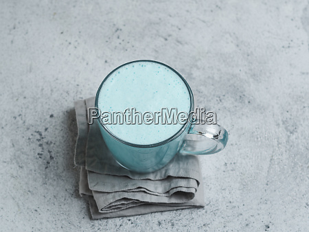 butterfly pea latte or blue spirulina
