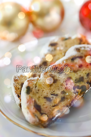 slices of german christmas stollen on