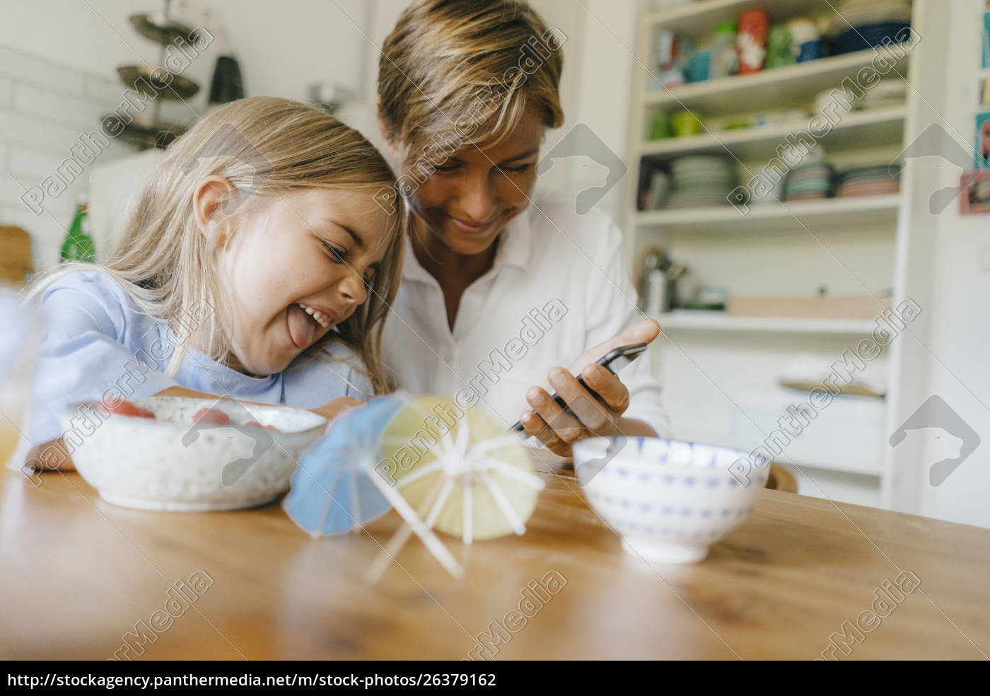 happy, mother, and, daughter, having, fun - 26379162