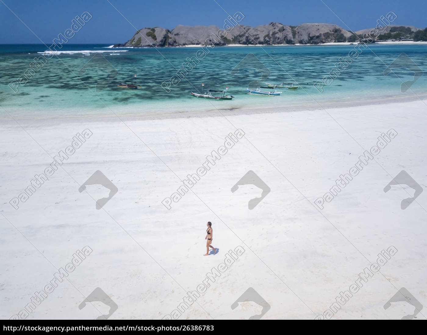 indonesia, , lombok, , young, woman, , beach, stroll - 26386783