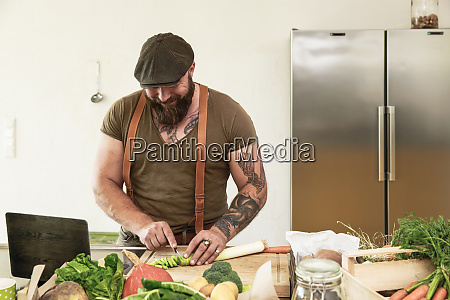 mature man trying out vegetarian online