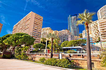 les plages monaco skyline and green
