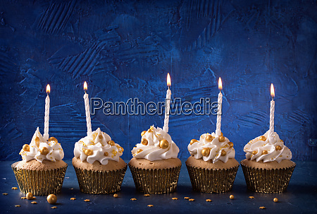 cupcakes with candles