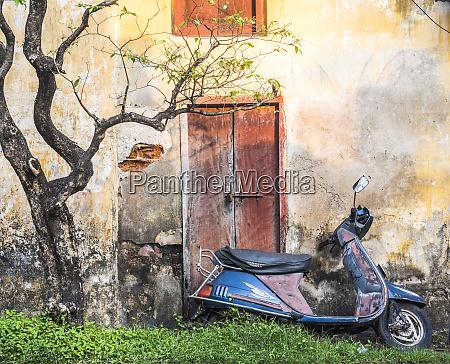 moped street scene fort kochi cochin