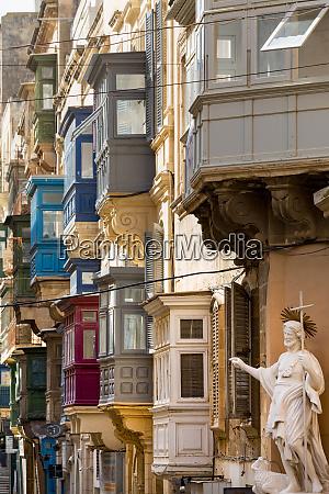 statue on tirq san pawl st