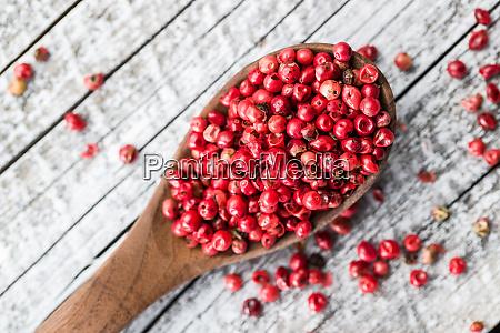 dried pink peppercorn