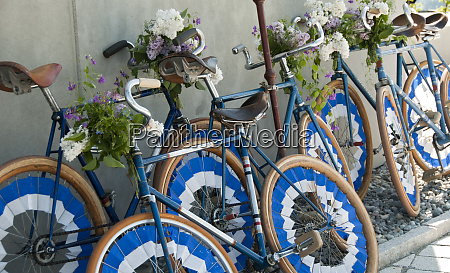 decorated trick cycles