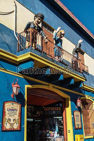 balcony over bar on el caminito