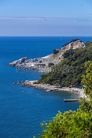 southeast coast and quarries island of