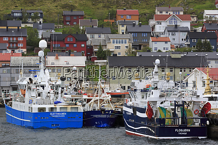 fishing boats honningsvag town mageroya island