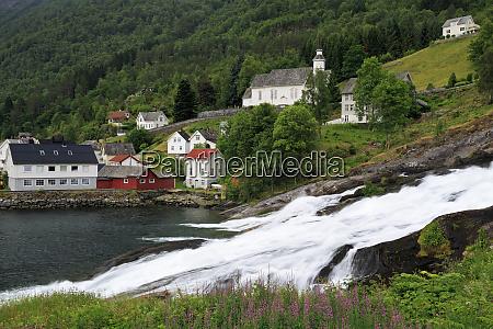 hellesyltfossen waterfall hellesylt village more og