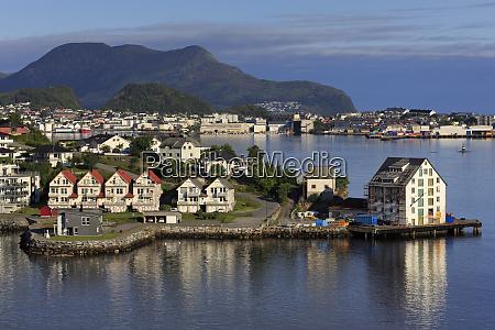 slinningen district on hessa island alesund