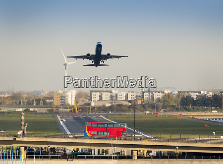 city airport airbus a321 take off