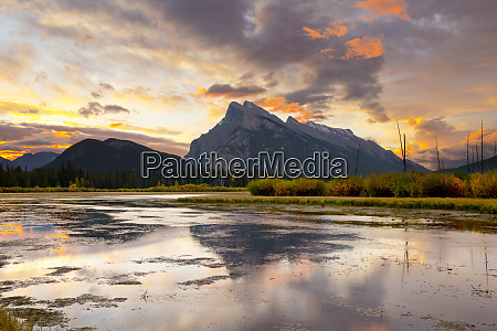mount rundle and vermillion lakes at