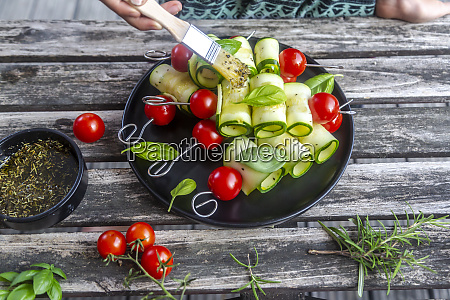 vegetarian grill skewers tomato and zucchini