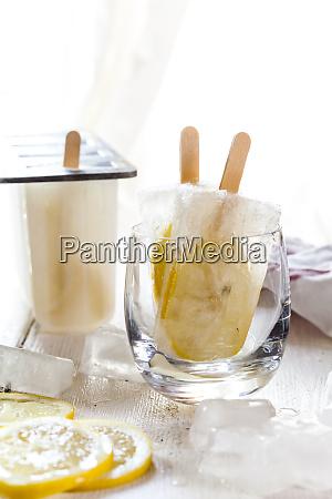 homemade gin lemon ice lollies