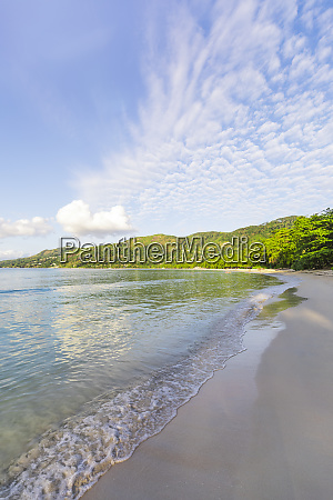 seychelles mahe beau vallon beach