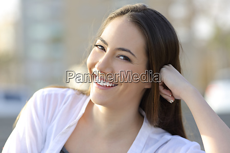 beauty woman smile with healthy teeth
