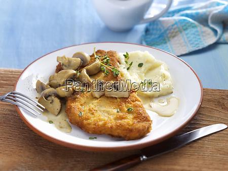 escalope chasseur pork escalope with mushroom