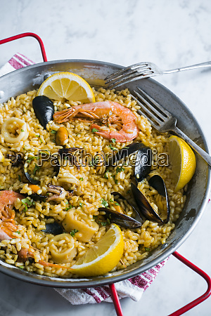 paella with sea food and mayer