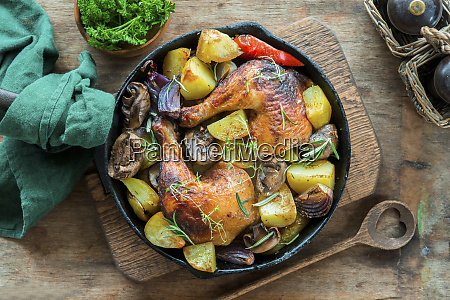 roast hicken legs with vegetables