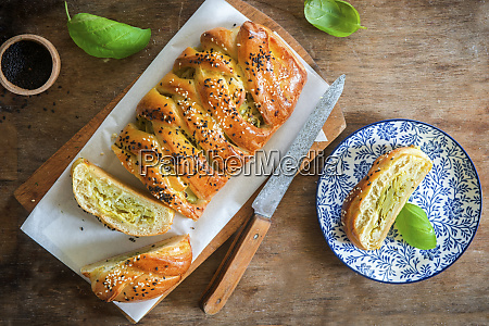 yeast cake with cabbage filling