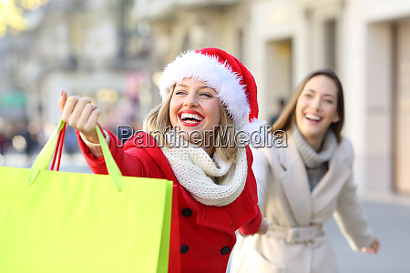 shoppers shopping in christmas on the