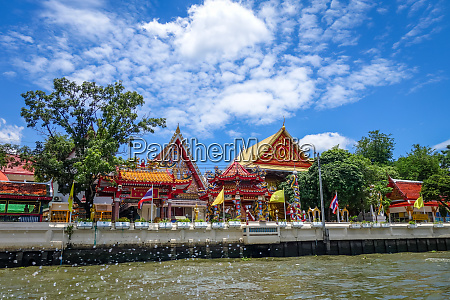 buddhist temple on khlong bangkok thailand