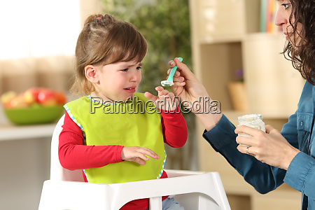 toddler crying at lunch time