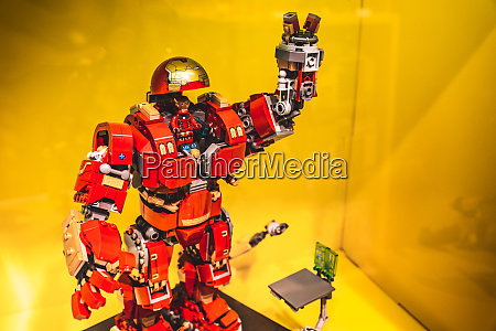 lego iron man model