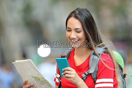 teen tourist consulting online information