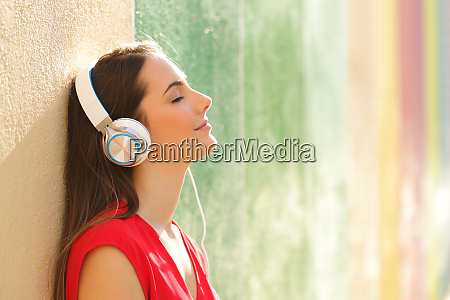 relaxed woman listening to the music