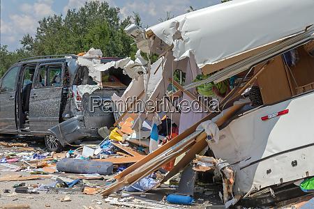 trailer camper traffic accident