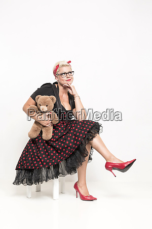 rockabilly lady with cuddly teddy bears