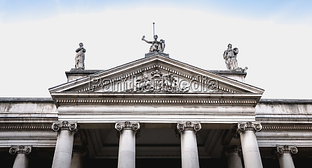 architecture detail of bank of ireland