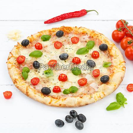 pizza margarita margherita square ingredients on