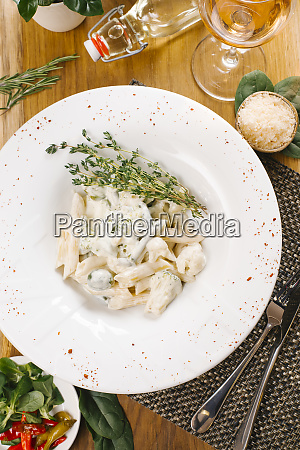 penne pasta with broccoli and cauliflower