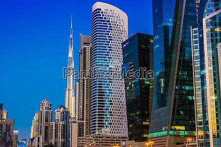 architecture od business bay in dubai