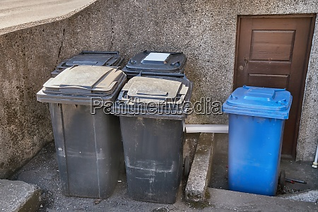 dust bin containers