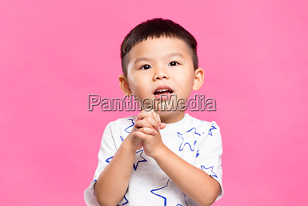 little boy pray