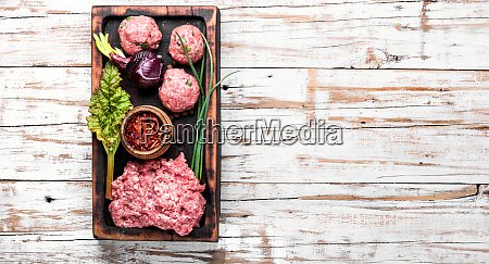 minced beef and spice
