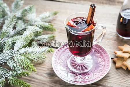 mulled wine on christmas eve